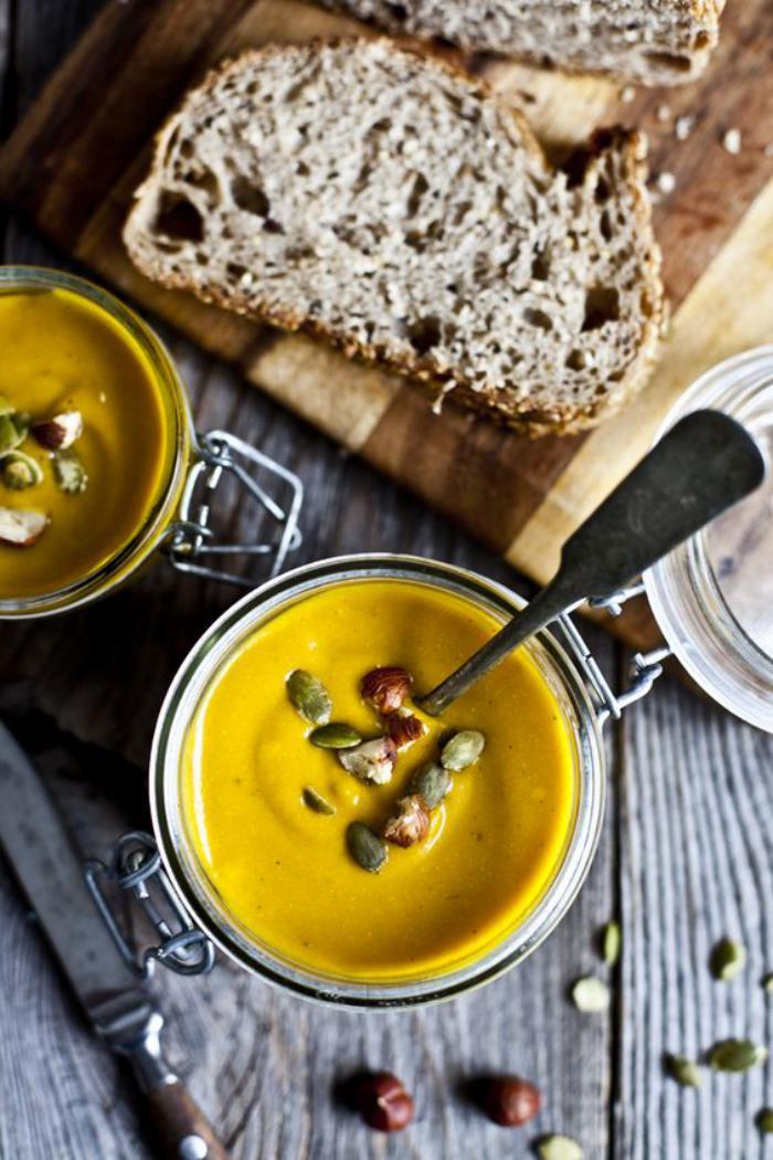 velouté-de-carottes-potage-de-carottes-soupe-crémeuse