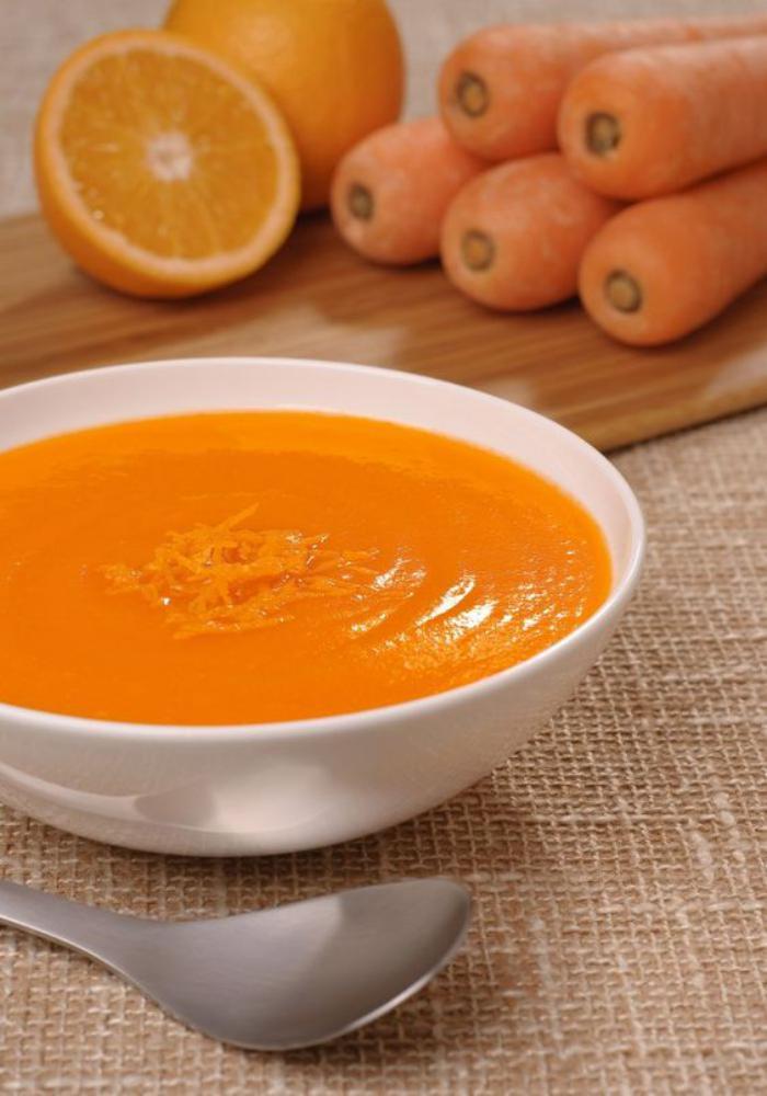 velouté-de-carottes-repas-savoureux-et-sain