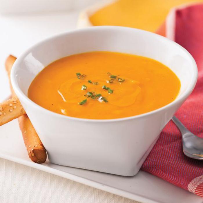 velouté-de-carottes-servir-des-soupes-crémeuses