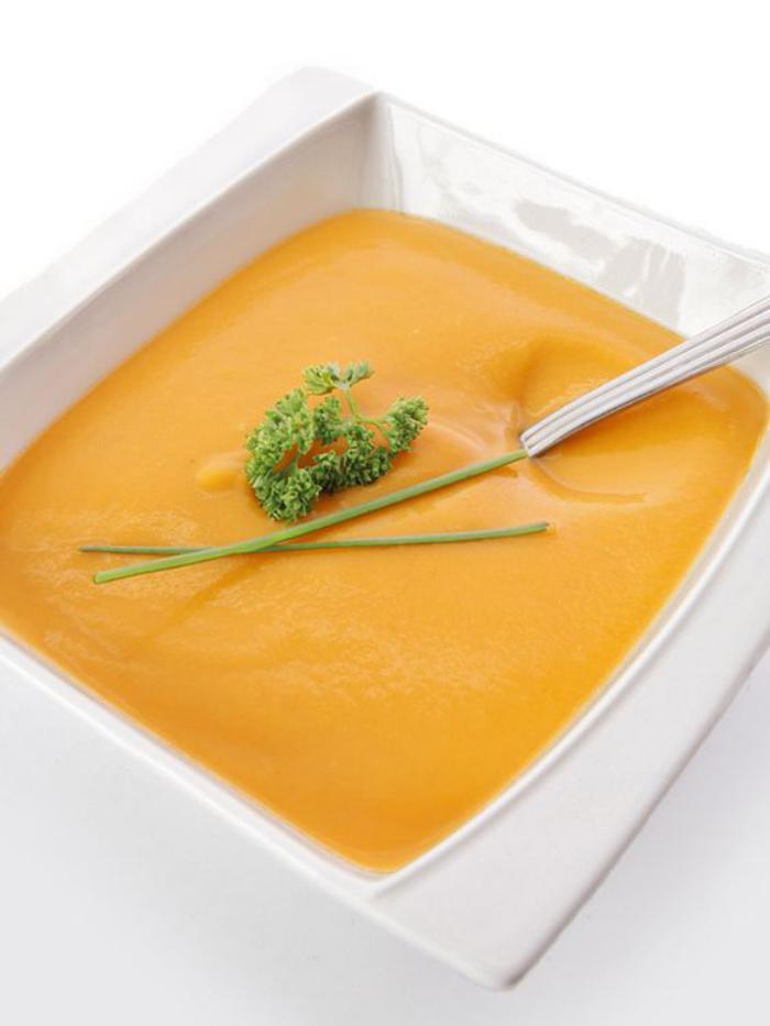 velouté-de-carottes-servir-ses-plats-joliment