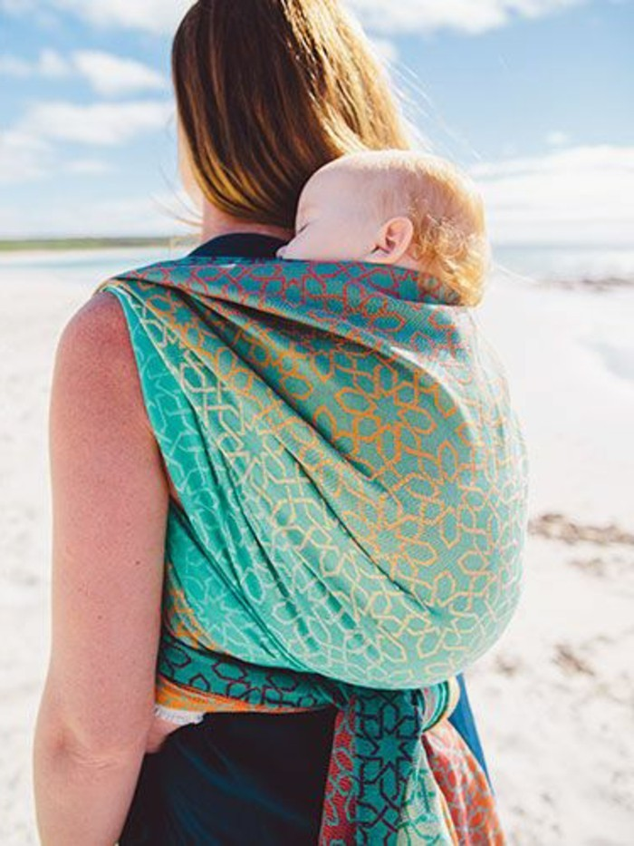 0-comment-porter-le-bebe-avec-un-echarpe-noeud-echarpe-de-portage-bebe