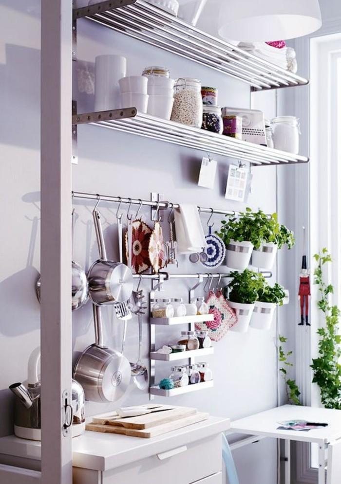 Ustensiles cuisine minimaliste divers besoins de cuisine for Site ustensiles cuisine
