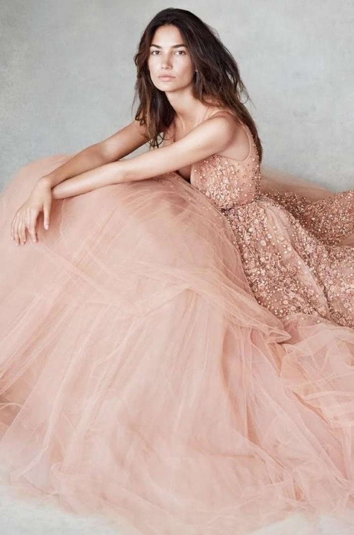 0-jolie-robe-rose-cendré-tendances-de-la-mode-chez-les-robes-roses