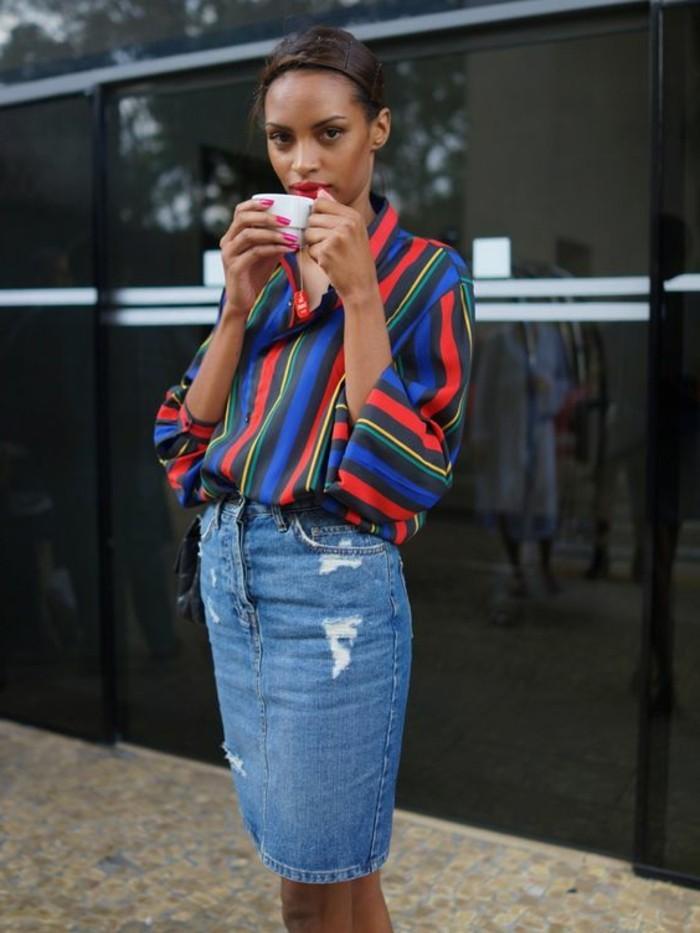 0-jupe-en-denim-design-pour-les-femmes-chemise-coloré-pour-les-femmes-chic-cheveux-marrons