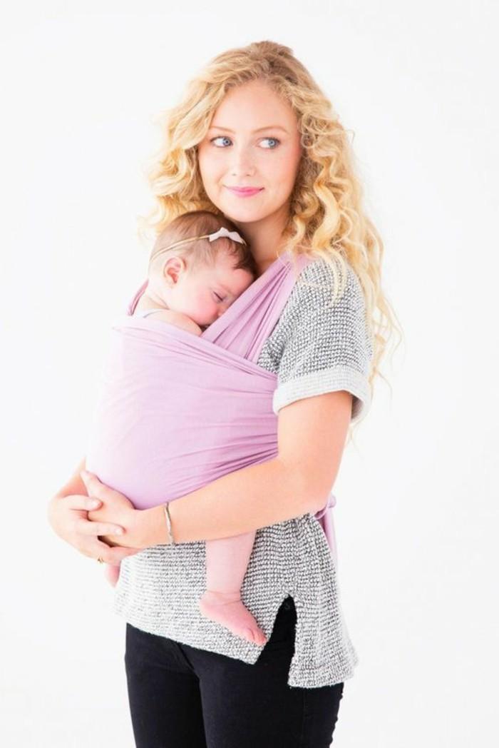 00-porte-bebe-kengourou-en-tissu-de-couleur-rose-t-shirt-à-rayures-blancs-grsi
