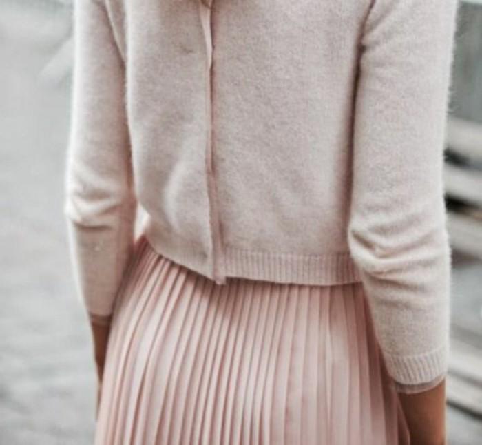 00-rose-pâle-mode-automne-2016-femme-gilet-et-jupe-plissée-rose-pale-tendance
