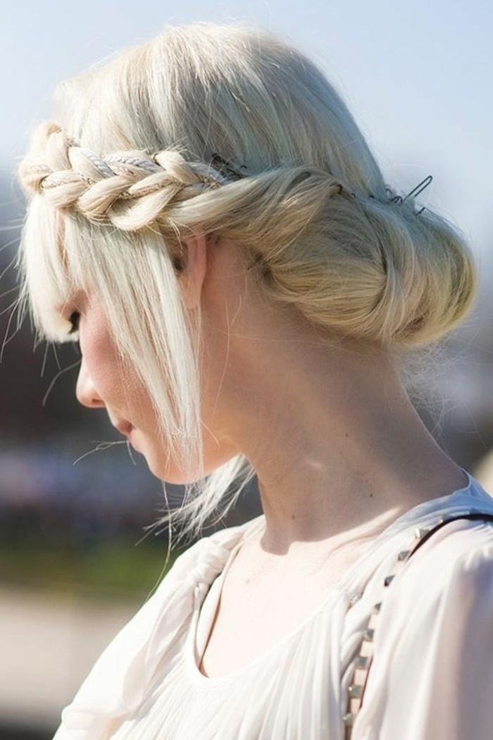 0coiffures-cheveux-blonds-clairs-coiffure-femme-tendances-tutoriel-coiffure-cheveux-longs-femme