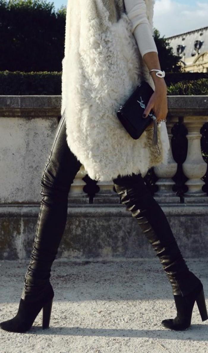 1-comment-porter-gilet-long-sans-manche-femme-fourrure-blanc-talons-hauts-botines-noires