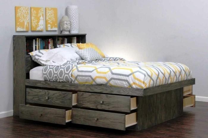 1-joli-chambre-adulte-sol-en-parquet-foncé-mur-blanc-lit-coffre-ikea-avec-tiroir