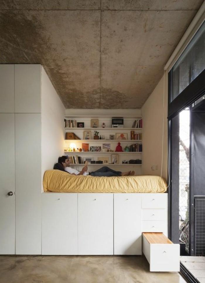 1-joli-lit-adulte-pas-cher-avec-tiroirs-lit-ikea-avec-rangement-de-tiroirs-plafond-et-sol-en-béton