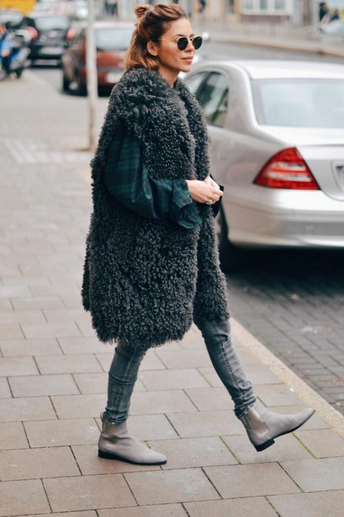 1-jolie-gilet-longue-sans-manche-gris-gilet-en-fourrure-gris-botines-gris-femme