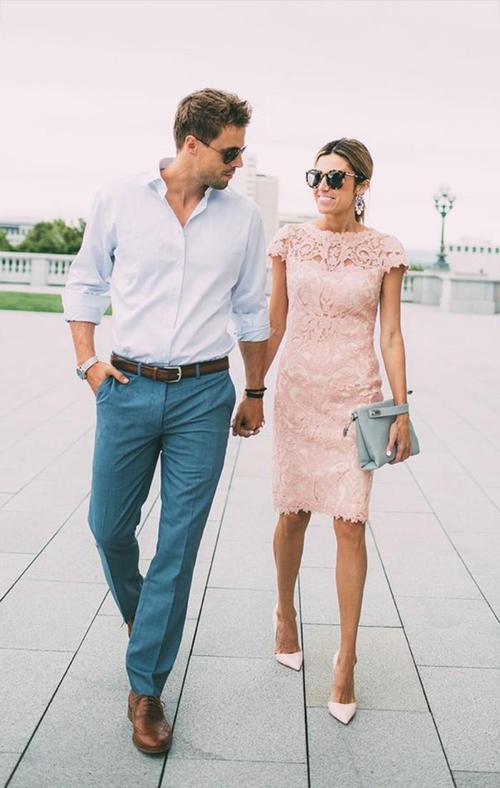1-jolie-robe-en-dentelle-rose-tendances-automne-hiver-2016-mode-femme