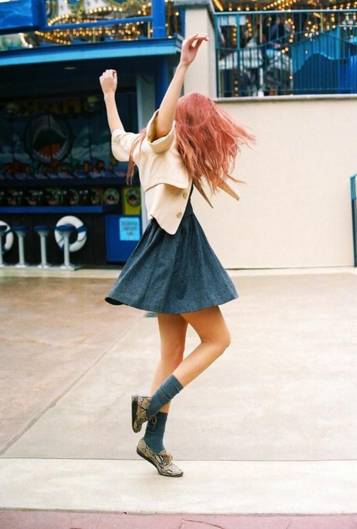 1-mini-jupe-en-jean-comment-porter-mini-jupe-denim-bleu-tendances-de-la-mode-2016
