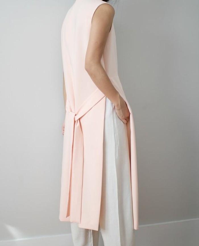 1-outfit-elegant-collection-printemps-été-2016-en-rose-pale-pantalon-blanc-elegant-femme