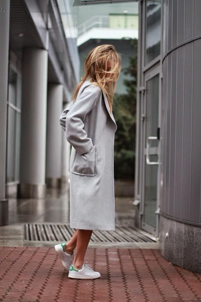 1-sneakers-femme-manteau-grsi-design-femme-comment-porter-le-manteau-femme