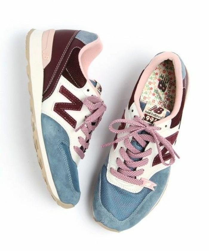 1-sneakers-femme-nike-couleur-bleu-clair-rouge-foncé-les-plus-belles-baskets