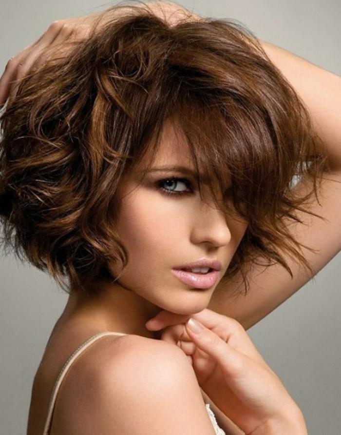 3-coupe-de-cheveux-mi-long-très-joli