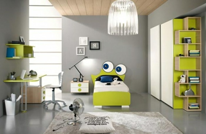 Decoration-plafond-chambre-d'-enfants-Sponge-Bob-gaiete-resized