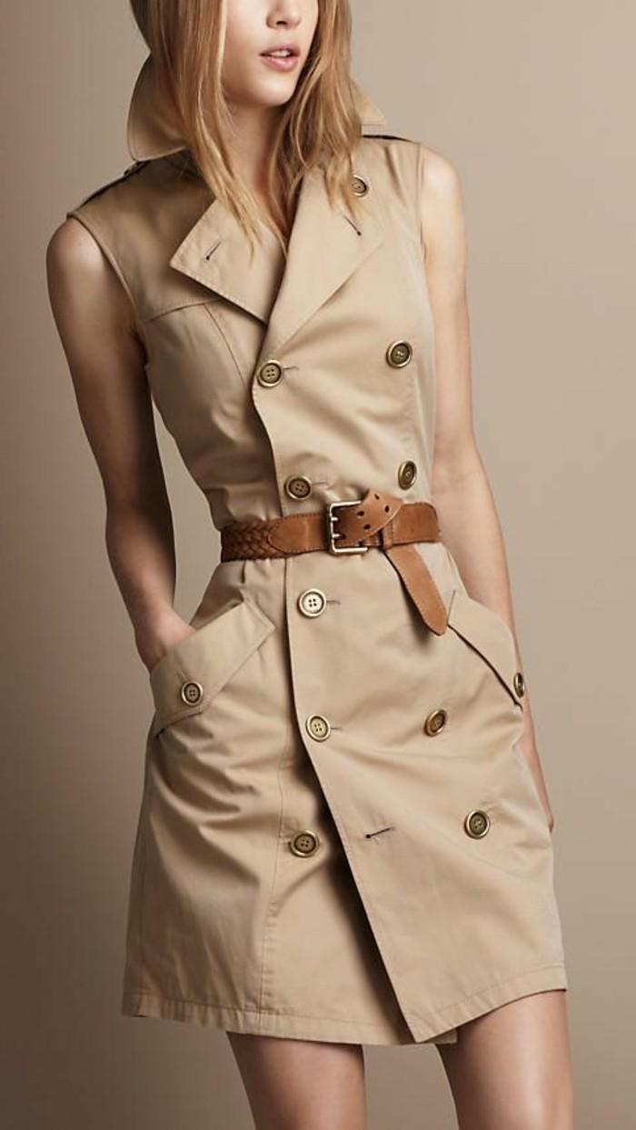 Le-manteau-sans-manche-gilets-sans-manches-de-burberry