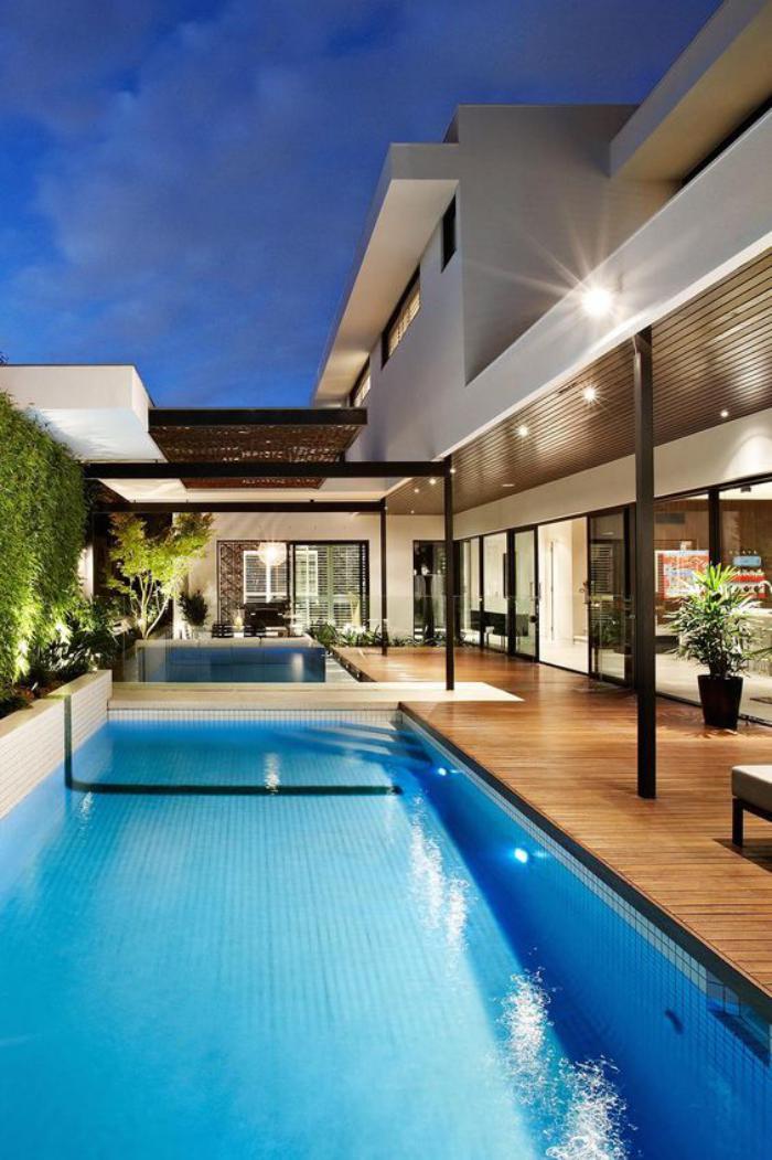 aménagement-extérieur-architecture-cubique-piscine-rectangulaire