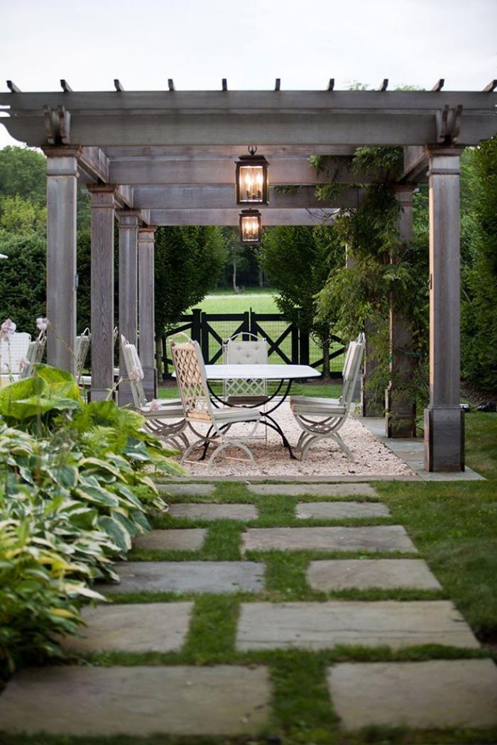 aménagement-extérieur-pergola-de-rêve-dans-le-jardin