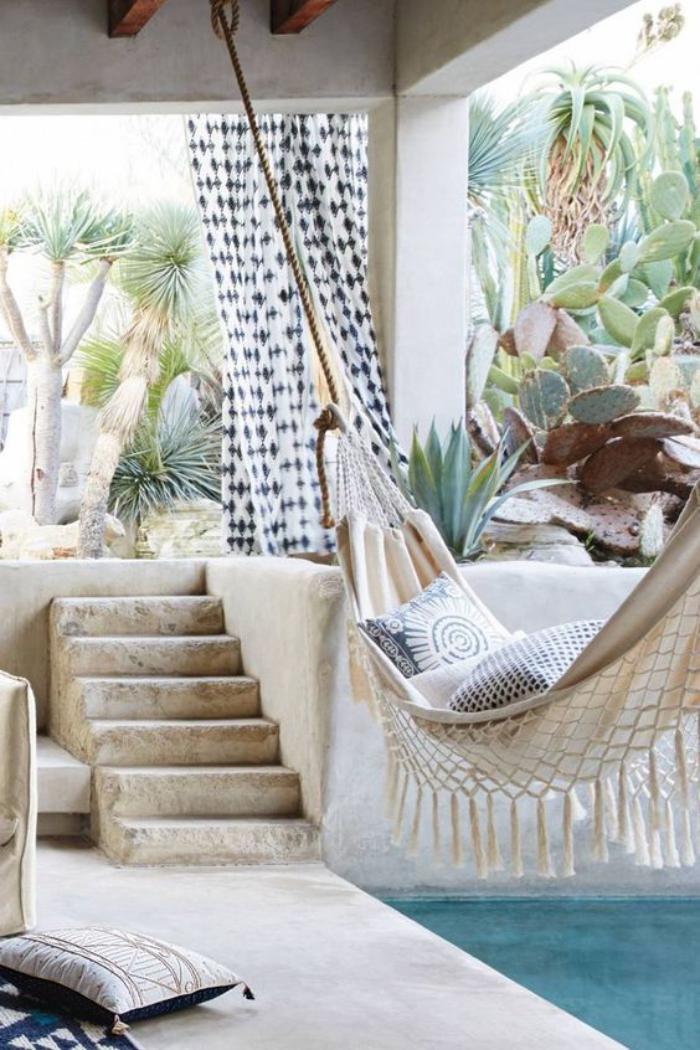 aménagement-extérieur-style-grecque-tout-blanc