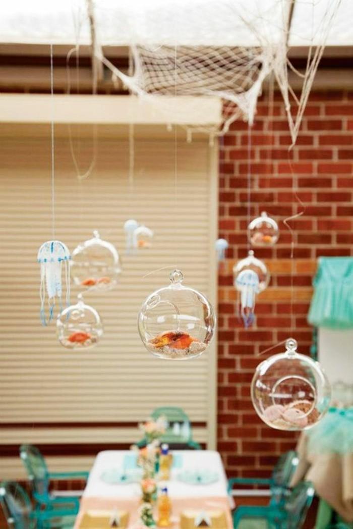 ambiance-festive-decoration-table-anniversaire-poissons-la-mer-theme-anniversaire