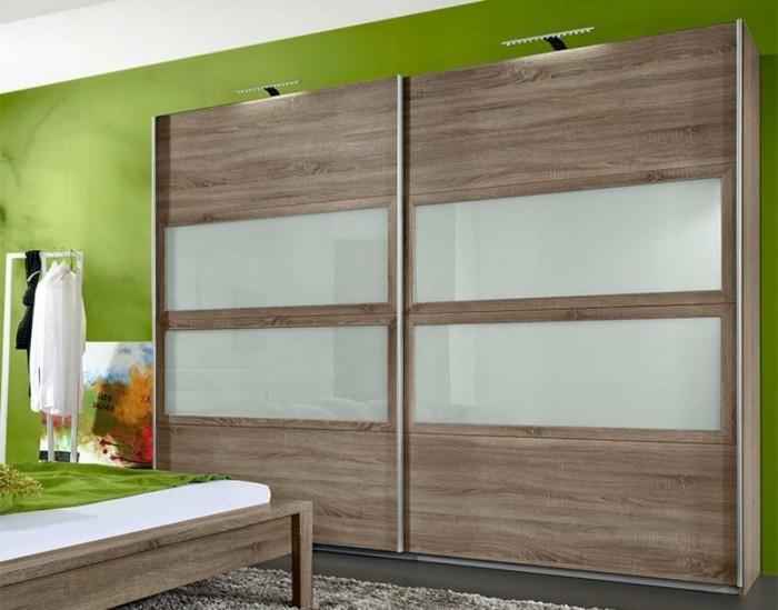 armoire-2-portes-coulissantes-beige-combinée-avec-du-vert-resized