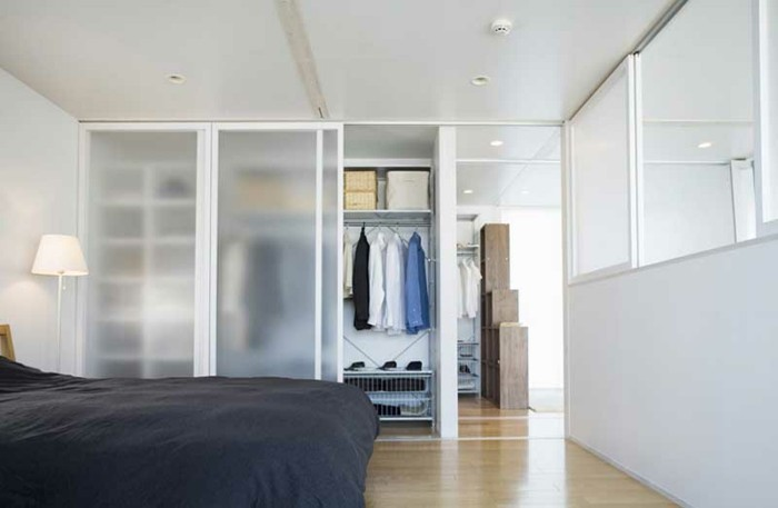armoire-2-portes-coulissantes-on-est-bien-rangés-et-on-est-chic-resized