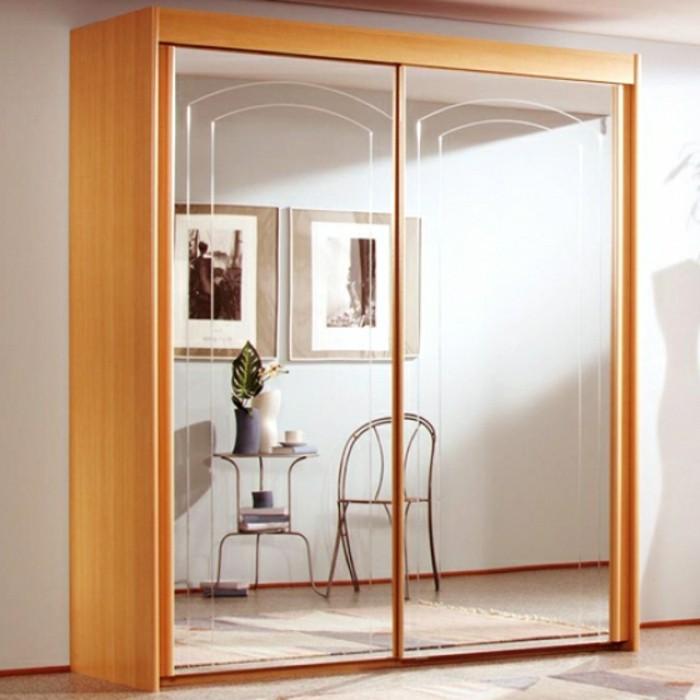 armoire-2-portes-coulissantes-petite-en-bois-clair-resized