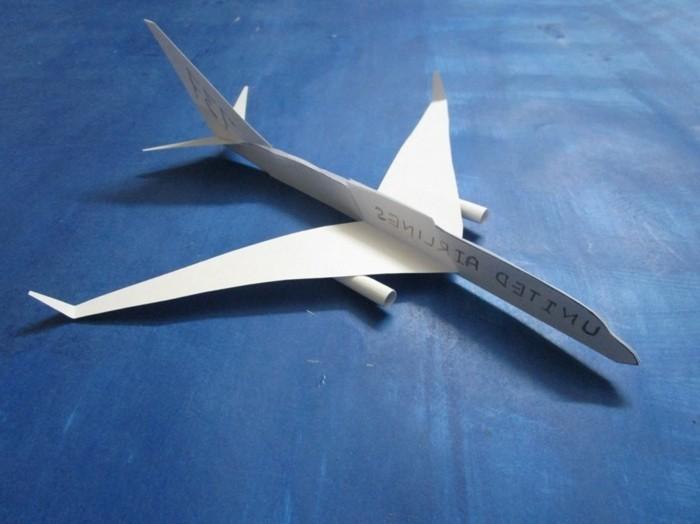 avion-en-papier-qui-vole-bien-avion-en-papier-facile