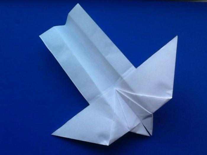 avion-en-papier-qui-vole-meilleur-avion-en-papier