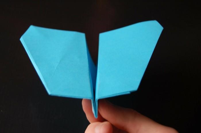 comment faire un avion en papier astuces et mod les pour. Black Bedroom Furniture Sets. Home Design Ideas