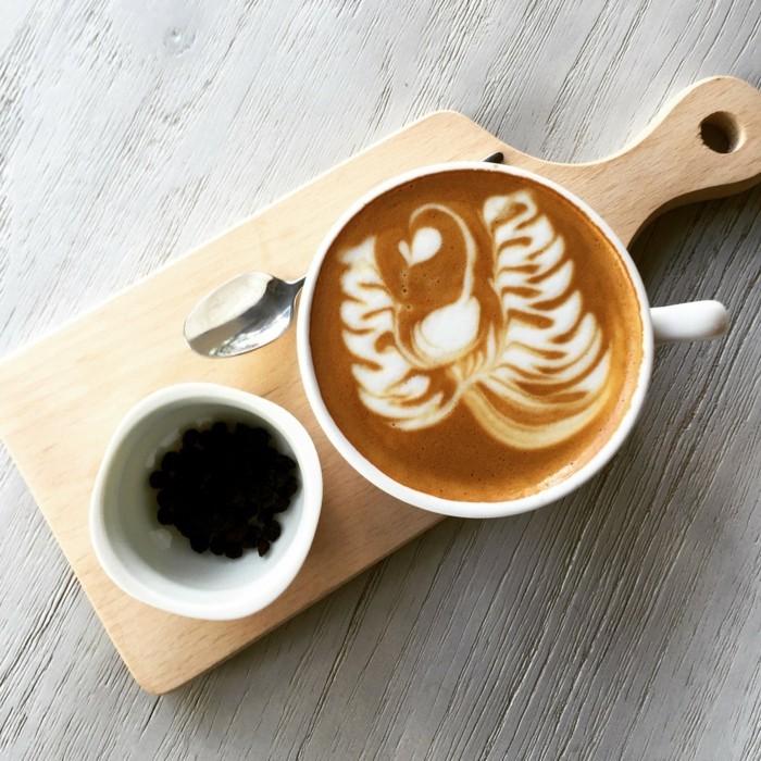 beau-café-latte-spécialiste-du-café-matin-top-cool