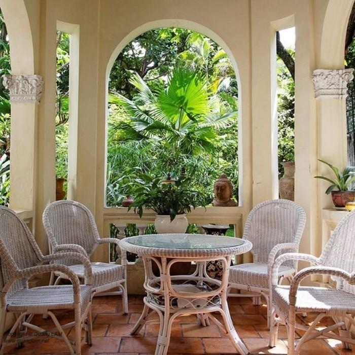 beauté-design-d-extérieur-la-maison-coloniale-table-véranda