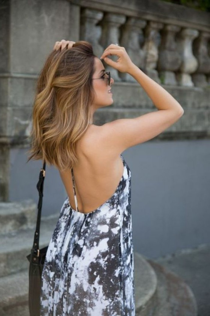 bella-fille-balayage-blond-sur-brune-coiffure-cheveux