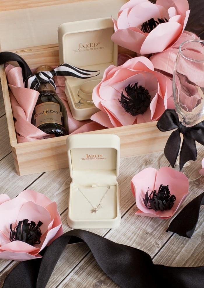 belle-carte-d-invitation-mariage-témoins-mariage-unpacked