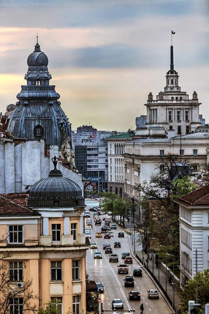 belle-vue-de-hauteur-sofia-centre-ville-magnifique-photo-sofia-capitale-Europe