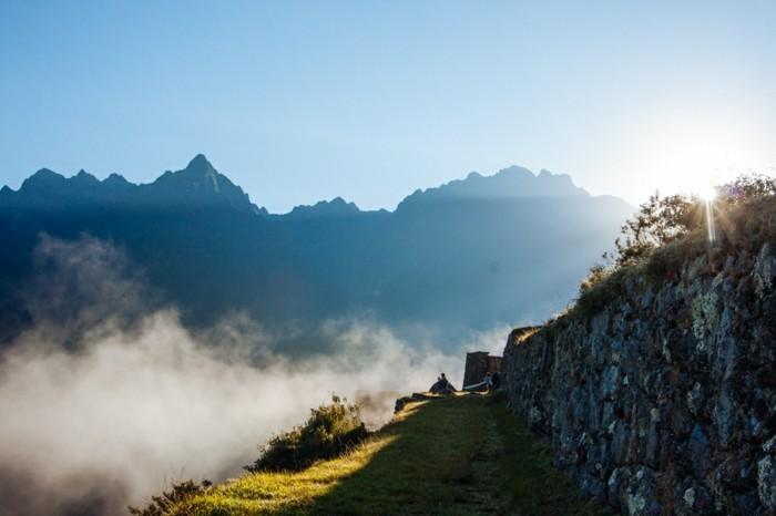 belles-images-soleil-levant-superbe-idée-photo-la-montagne-jolie