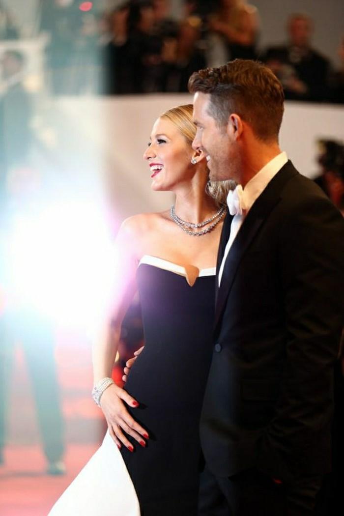 blake-lively-pregnant-les-meilleures-couples-de-hollywood-robe-blanc-noir-femme-elegante