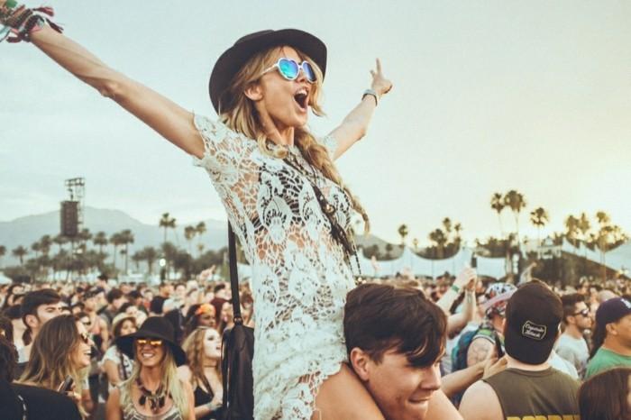 bohème-chic-chouette-idée-tenue-coachella-line-up-tenue-de-festival-jour-à-coachella-style-mode