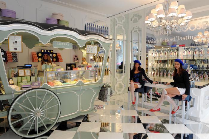 boutique-ladurée-maison-de-patisserie-française