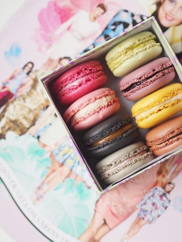 boutique-ladurée-les-macarons-de-ladurée-paris