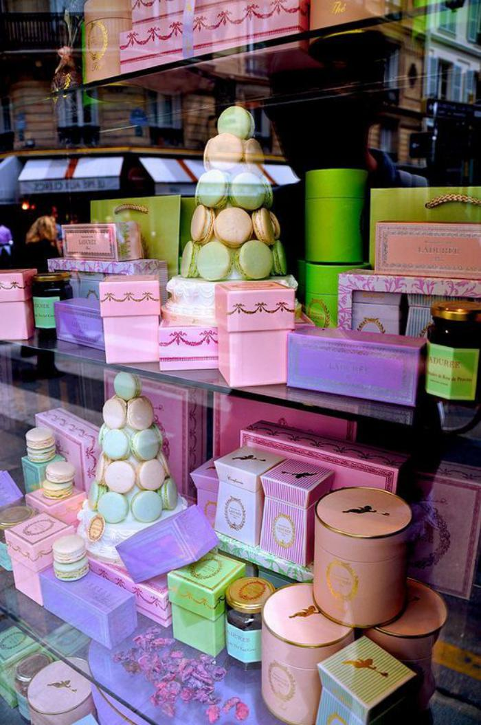 boutique-ladurée-délices-en-gamme-pastel