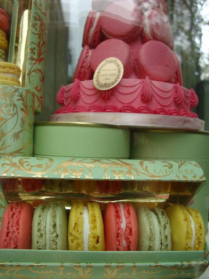 boutique-ladurée-ladurées-macarons
