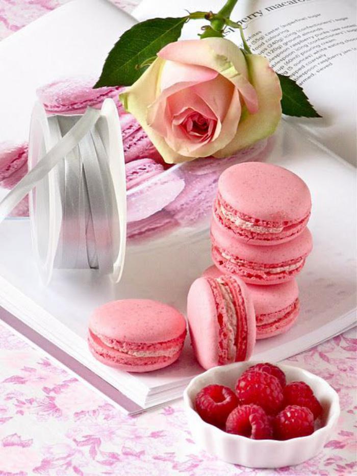 boutique-ladurée-macarons-roses-ladurée