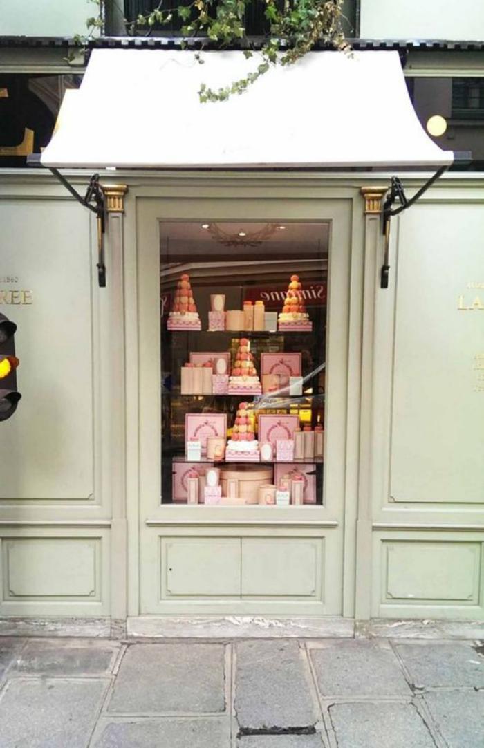 boutique-ladurée-marque-de-luxe-et-de-douceur-sucrée