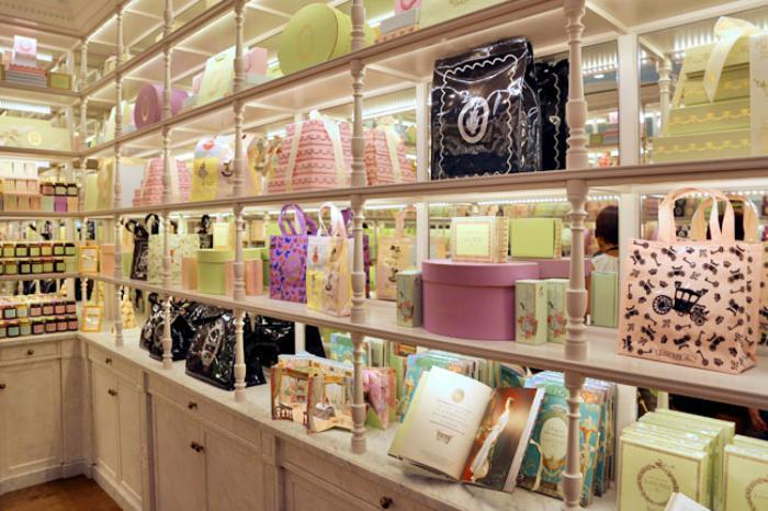 boutique-ladurée-merveilles-délicieuses-maison-ladurée