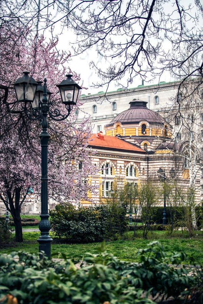 bulgarie-sofia-vacances-bulgarie-printemps-la-ville-de-sofia-formidable-photo