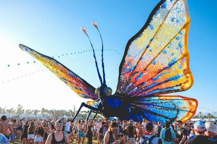 bureau-voir-papillone-et-mode-à-coachella-outfits-style-tenue-de-festival-jour-à-coachella-style-mode